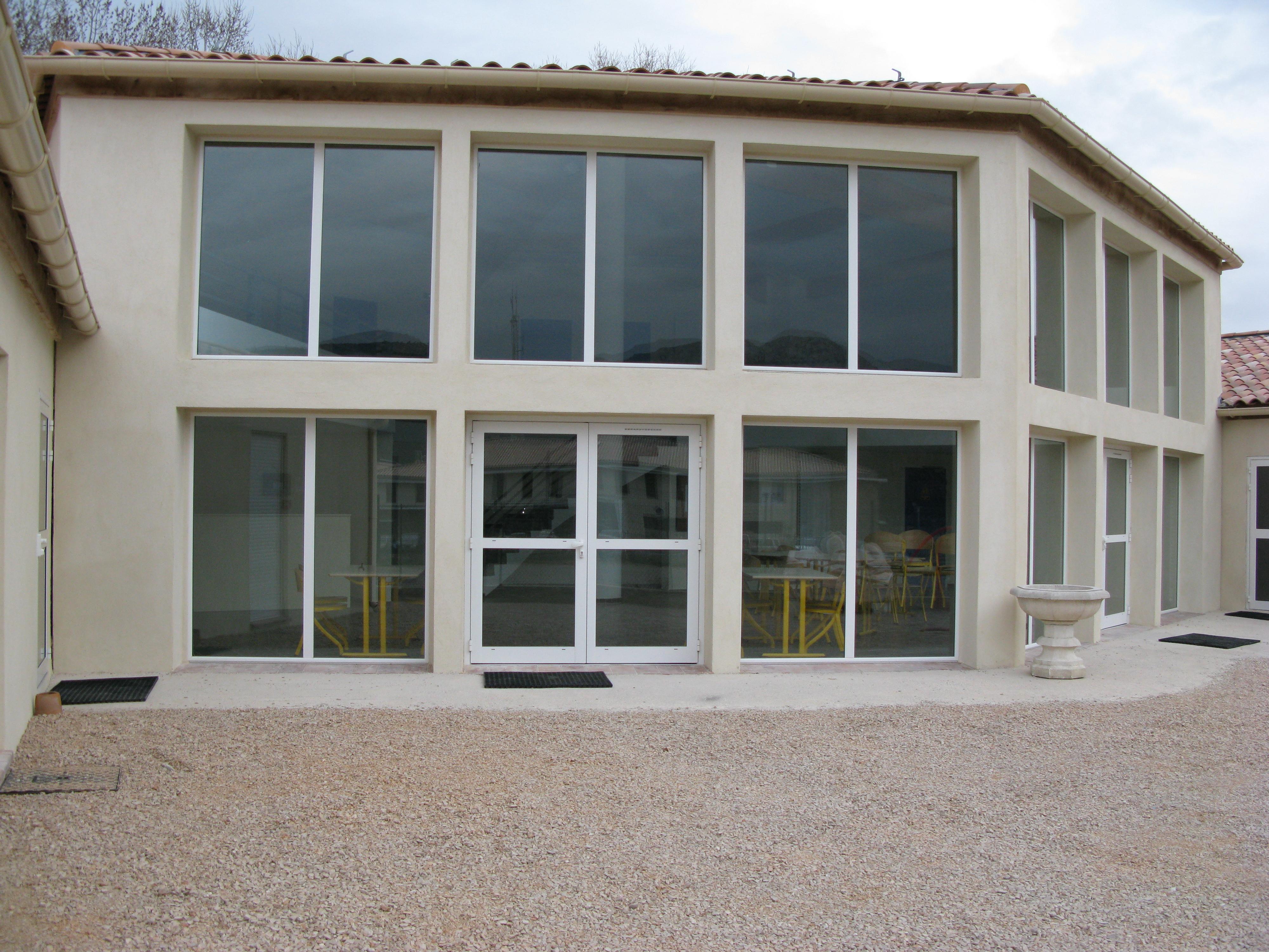 Foyer Pour Jeune Travailleur Salon De Provence : Apprentis d auteuil en provence alpes côte azur